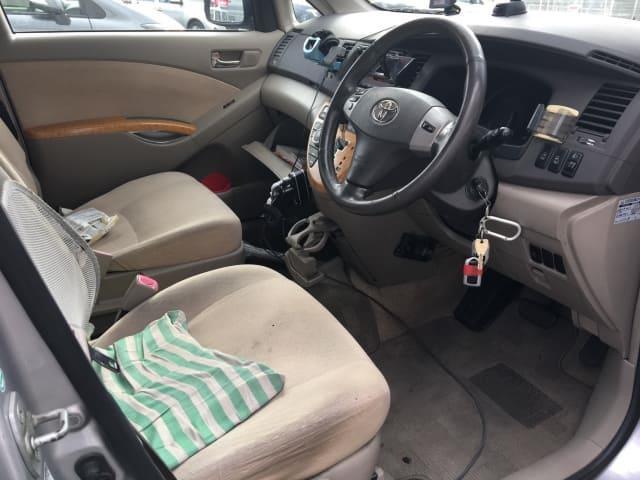 H16(2004年式) トヨタ アイシス G