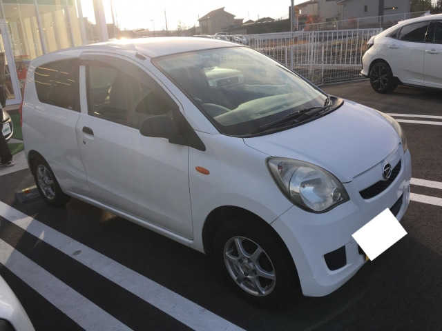 Thumbnail.car image 001520967 2018 12 04t015518z